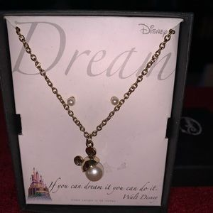 New in box Disney pearl necklace and earrings